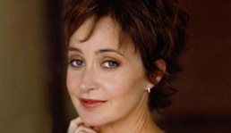 GB3: Parla Annie Potts