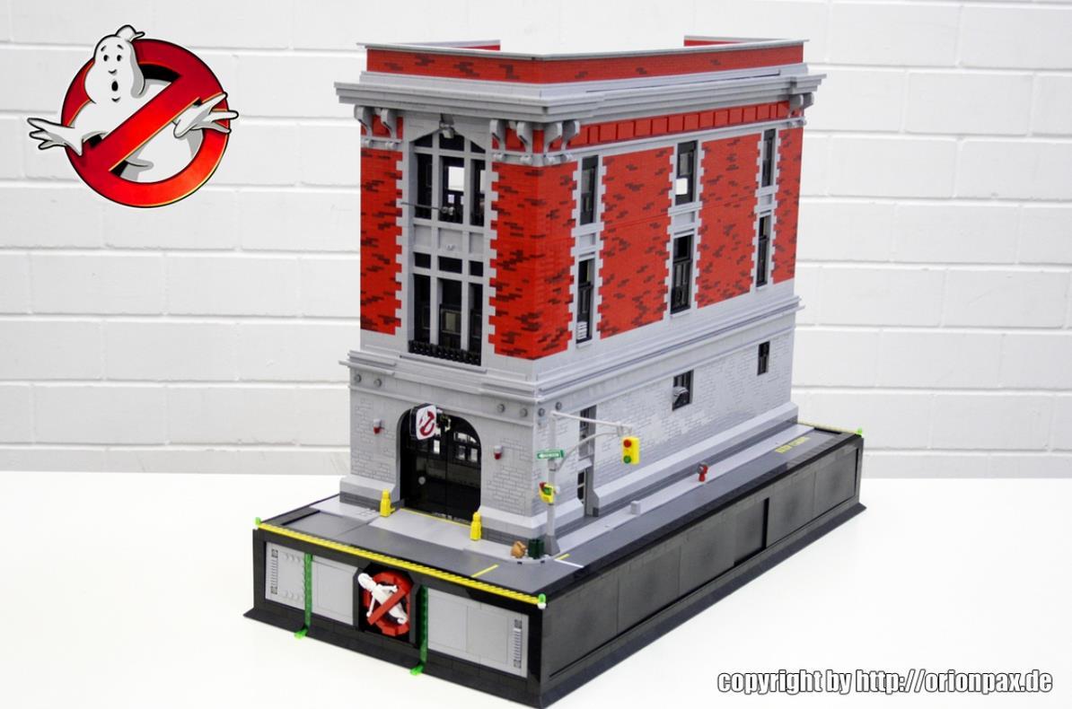Spettacolare Fire House realizzata interamente in Lego